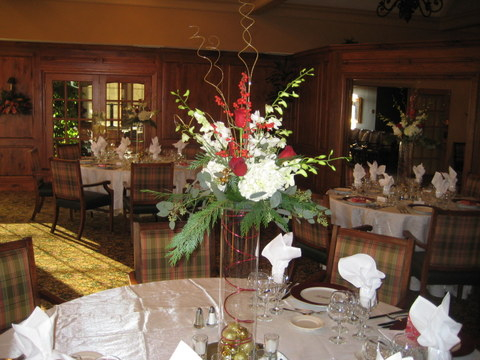 centerpiece-red-gold