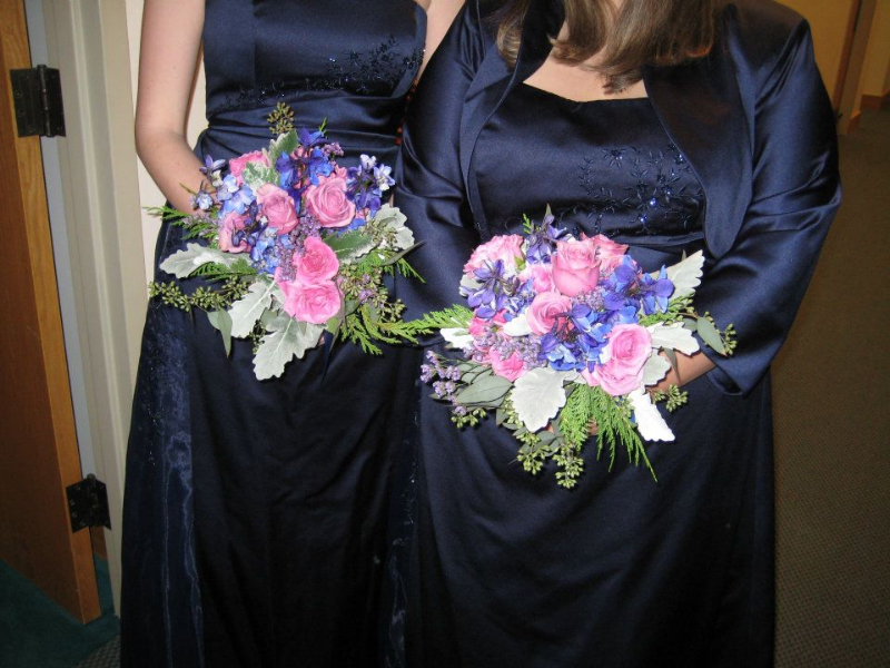 lavender-roses-delphinium-bridesmaid
