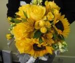 yellow-sunflower-bouq