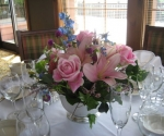 pink-lily-rose-centerpiece